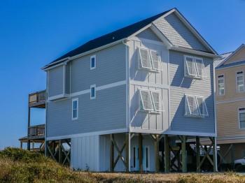 Coastal-Gallery-Ridgestone-Construction-Beach-House-Exterior-11-1000