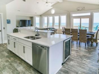 Coastal-Gallery-Ridgestone-Construction-Beach-House-Living-14-1000